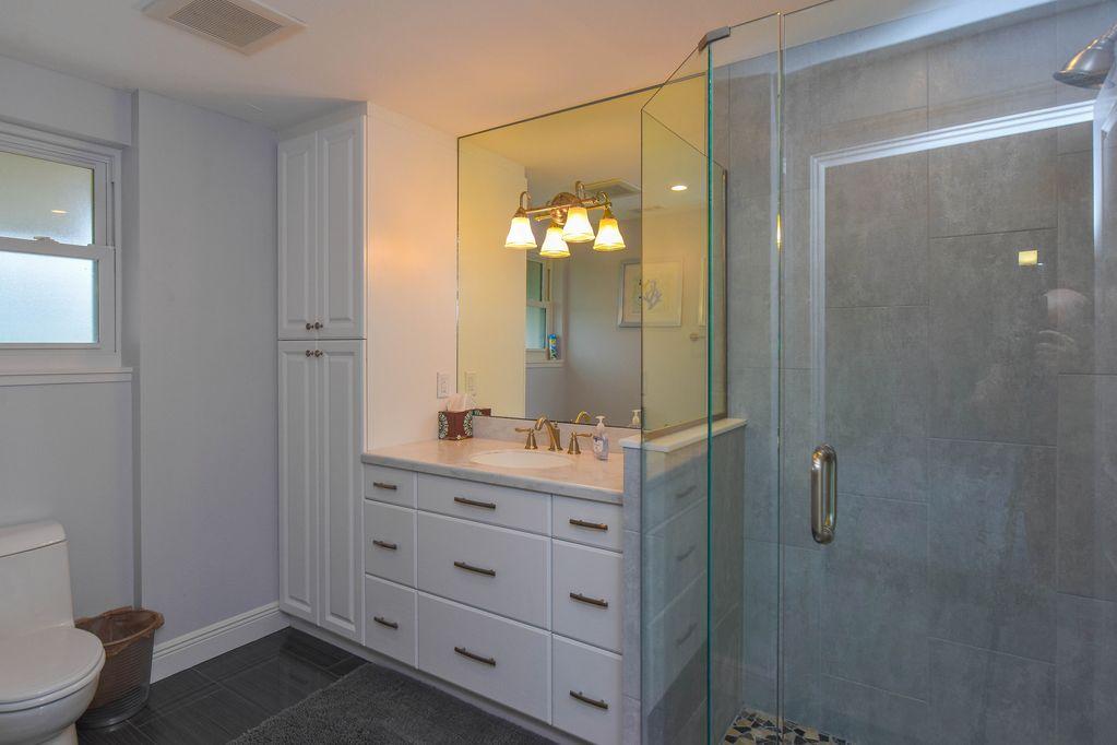 Penthouse: Bathroom