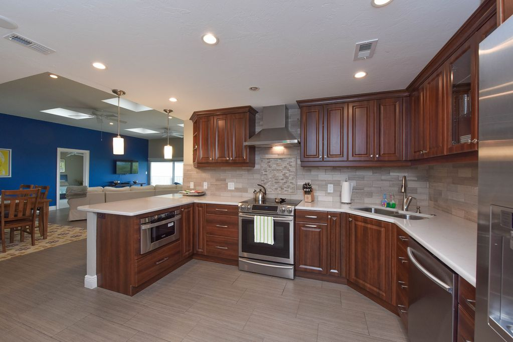 Penthouse: Kitchen